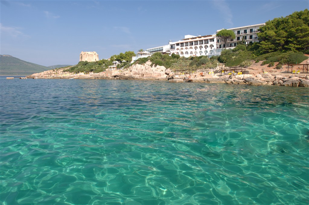 Pohled na hotel z moře