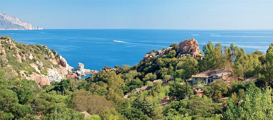 Panoramatický pohled na moře, Arbatax, Sardinie