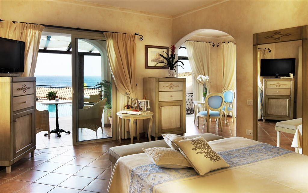 Colonna Resort - SUITE, Porto Cervo, Costa Smeralda, Sardinie