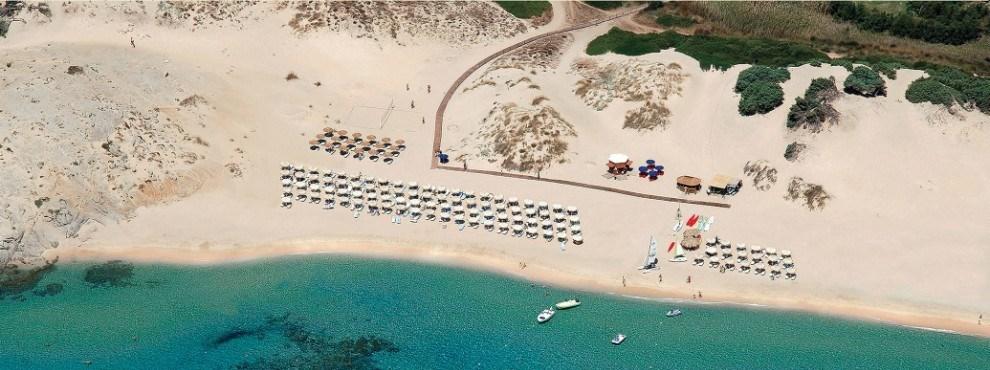 Plážový servis hotelu, Chia, Sardinie