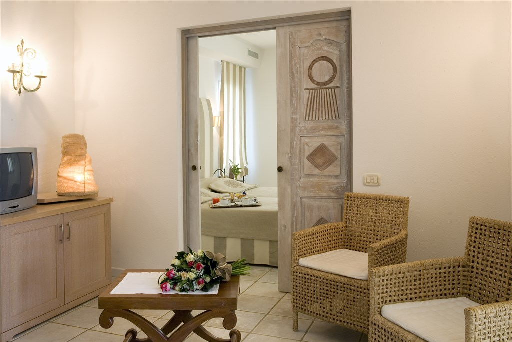 Flamingo Resort - SUITE I NIDI, Pula, Sardinie