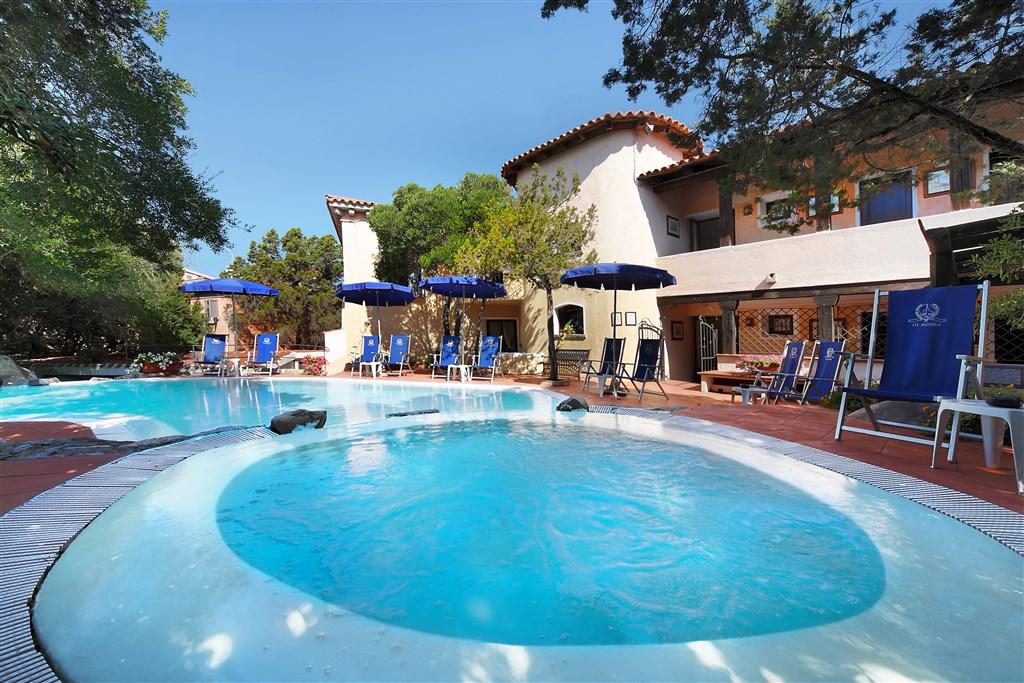 Bazén, Porto Rotondo, Sardinie