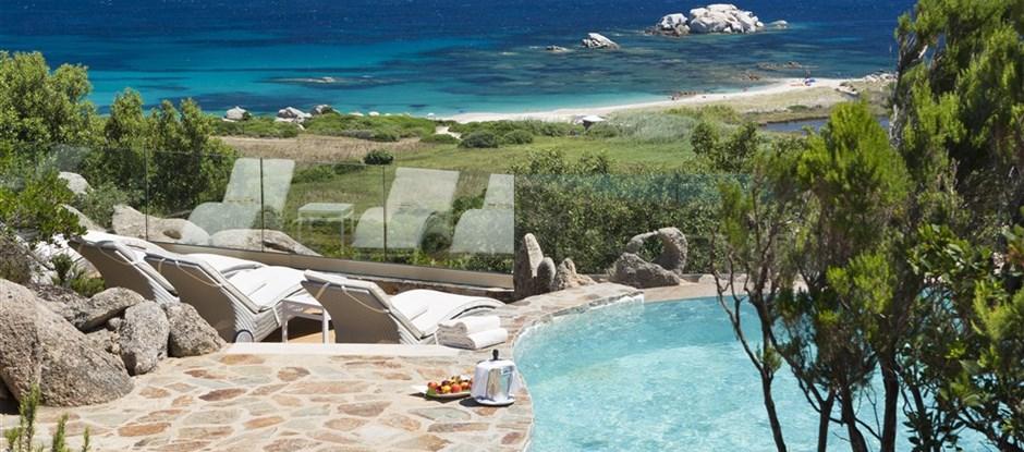 SUITE ARCIPELAGO s výhledem na moře a bazénem - terasa s bazénem, Santa Teresa di Gallura, Sardinie