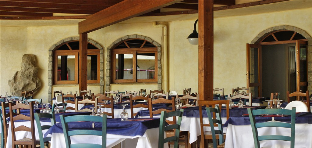 Club Esse Posada Beach Resort - Restaurace, Palau, Sardinia
