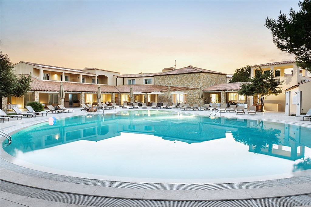IS ARENAS NATURE & CHARME RESORT -