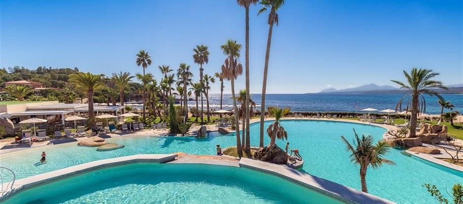 Nový hotelový bazén, Arbatax, Sardinie