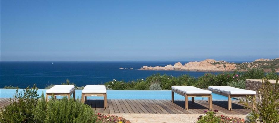 Vila CANNEDDI - bazén, Isola Rossa, Sardinie, Itálie