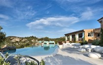 Li Finistreddi - Exclusive Country Retreat -