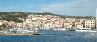 La Maddalena - vstupní brána, stejnojmenné přístavní město