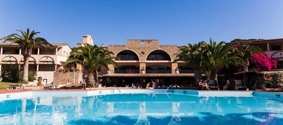 Centrální hotelová část, Santa Margherita di Pula, Sardinie