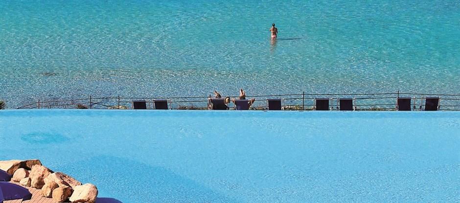 Bazén a moře, Capo Testa - Santa Teresa, Sardinie